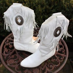 25a5cabb0fc52 Vintage 80s leather southwest tassel concho boots